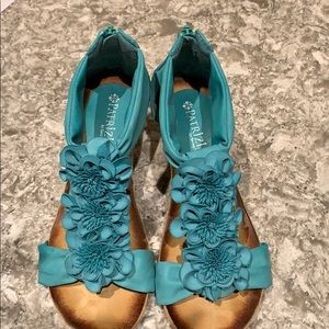 Turquoise shoes size 6